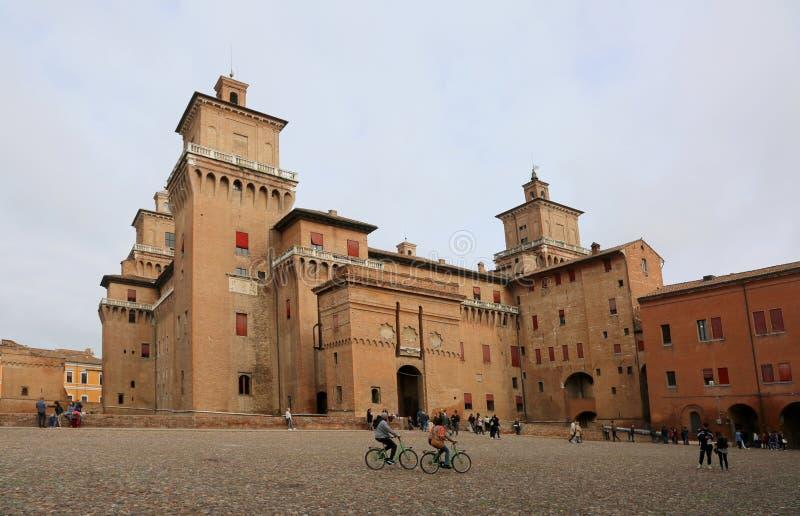 Ferrare, Fe, Italie - 3 novembre 2018 : Château médiéval antique c images libres de droits