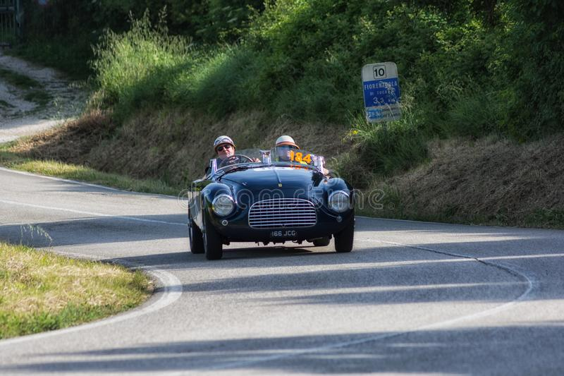 FERRARI 166 ΚΚ SPIDER TOURING 1950 σε ένα παλαιό αγωνιστικό αυτοκίνητο στη συνάθροιση Mille Miglia 2018 η διάσημη ιταλική ιστορικ στοκ φωτογραφία με δικαίωμα ελεύθερης χρήσης