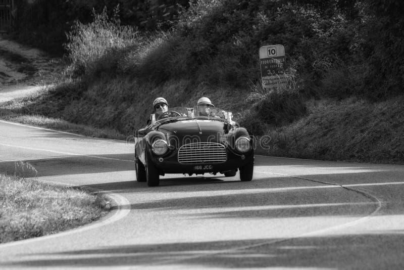 FERRARI 166 ΚΚ SPIDER TOURING 1950 σε ένα παλαιό αγωνιστικό αυτοκίνητο στη συνάθροιση Mille Miglia 2018 η διάσημη ιταλική ιστορικ στοκ φωτογραφίες