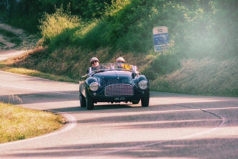 FERRARI 166 ΚΚ SPIDER TOURING 1950 σε ένα παλαιό αγωνιστικό αυτοκίνητο στη συνάθροιση Mille Miglia 2018 η διάσημη ιταλική ιστορικ στοκ εικόνες