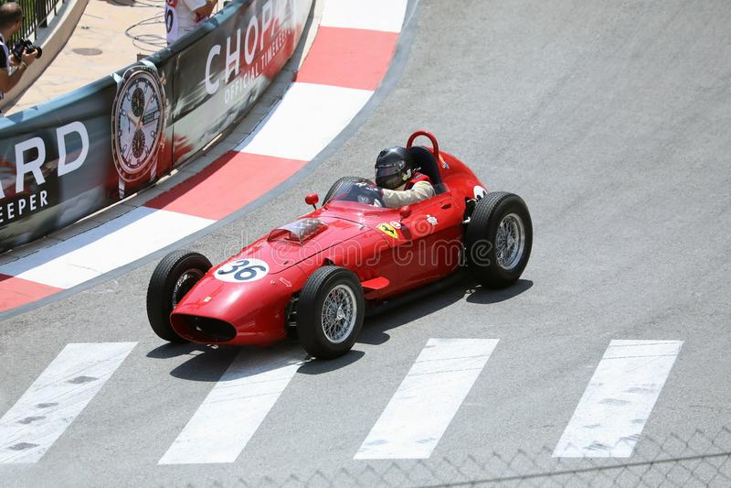Ferrari 246 κλασικό παλαιό κόκκινο αγωνιστικό αυτοκίνητο της Dino στοκ εικόνες