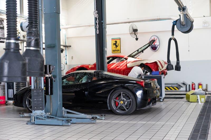 Ferrari-Autoreparaturservice stockfoto