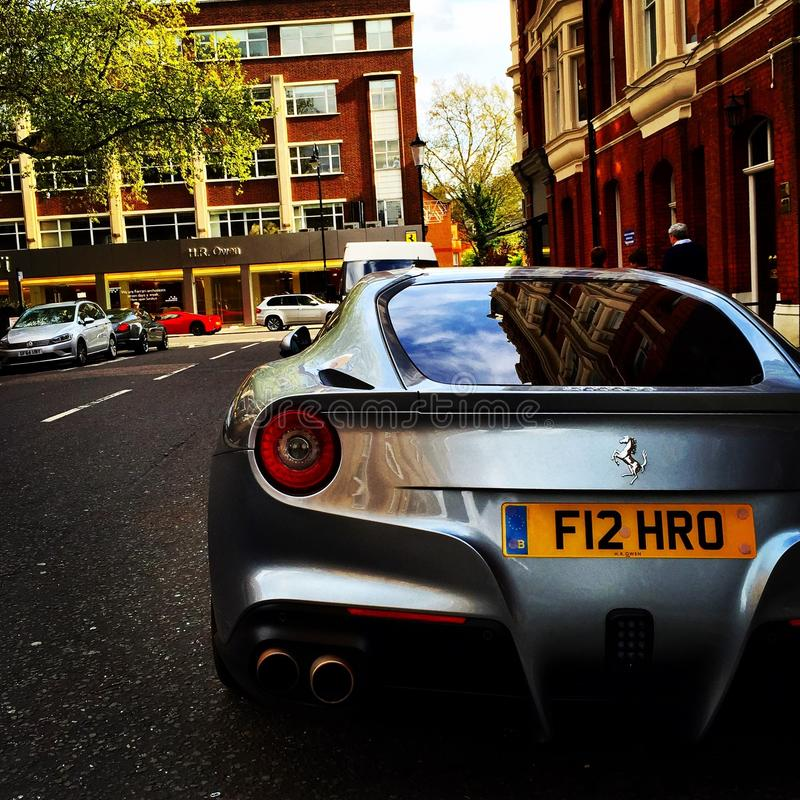 Ferrari F12 i London royaltyfria bilder