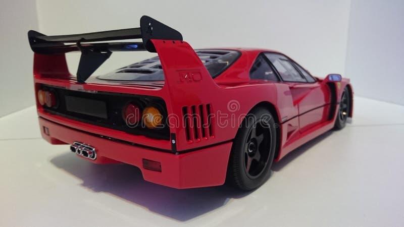 Ferrari F40 röd springa bil- tillbaka sikt arkivfoton