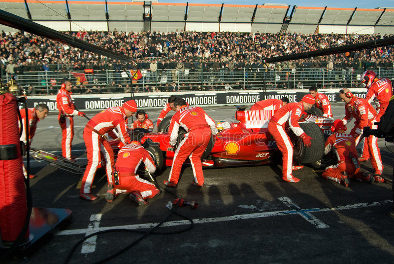 Ferrari-Formel 1-Team lizenzfreies stockbild