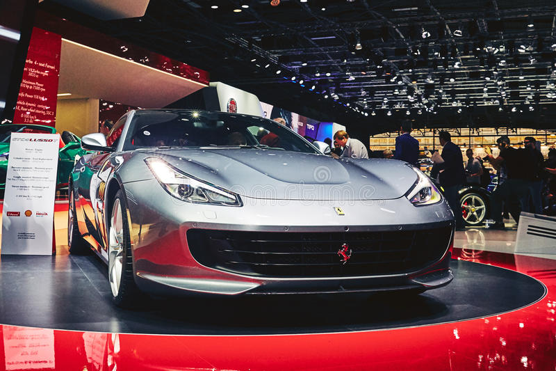 Download Ferrari 2017 GTC4 Lusso T redaktionell arkivbild. Bild av livsstil - 78726412