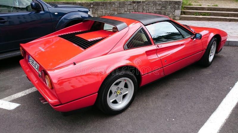 Ferrari 328 GTS - Retro- Automobilausstellung Rumäniens in Sinaia lizenzfreie stockbilder