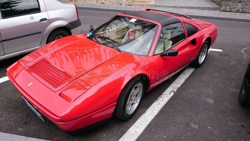 Ferrari 328 GTS - Retro- Automobilausstellung Rumäniens in Sinaia stockbilder