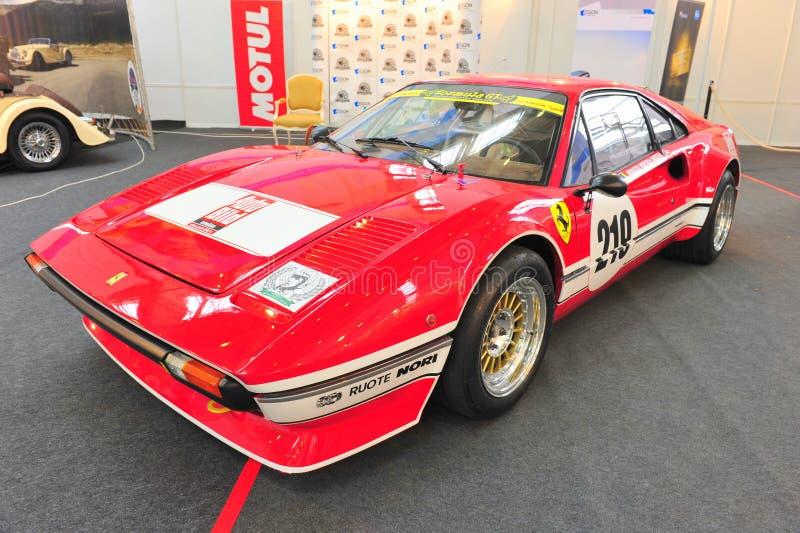 Ferrari 308 laufende GTB - Retro- Selbstsaal stockbilder