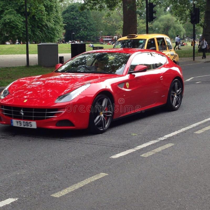 Ferrari a Londra fotografie stock libere da diritti