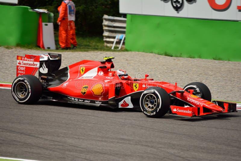 Ferrari SF15-T F1 gefahren von Kimi Räikkönen in Monza lizenzfreie stockfotos