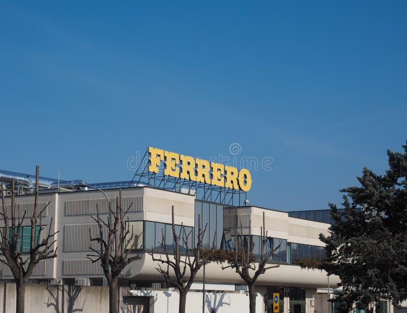 Ferrero-Hauptsitze in alba stockfotos