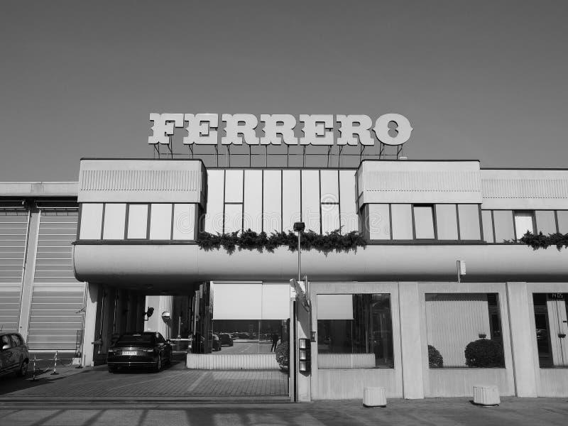 Ferrero-Hauptsitze in alba in Schwarzweiss stockbild