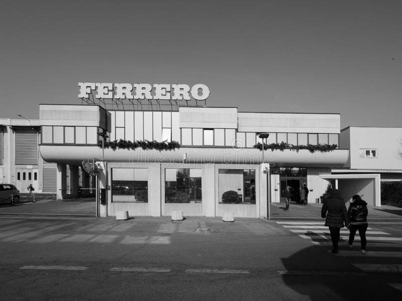 Ferrero-Hauptsitze in alba in Schwarzweiss lizenzfreies stockbild