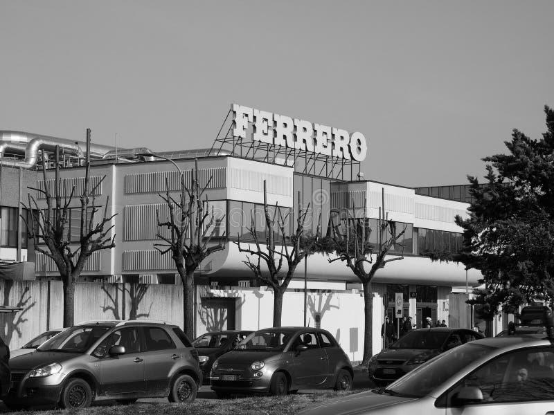 Ferrero-Hauptsitze in alba in Schwarzweiss lizenzfreie stockfotografie