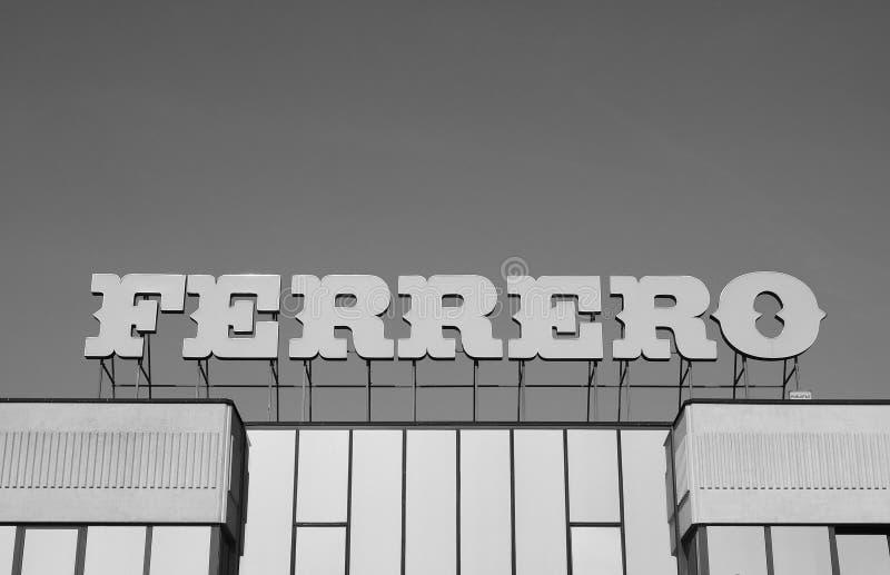 Ferrero-Hauptsitze in alba in Schwarzweiss stockfotografie