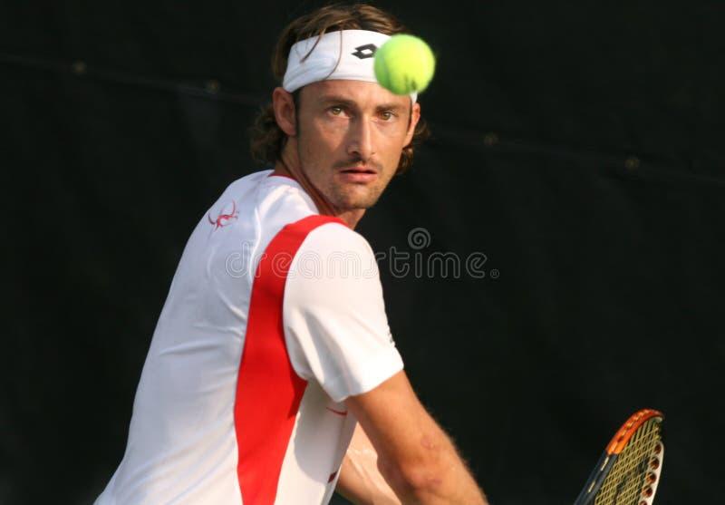 Ferrero: Tennis-Spieler-Rückhandschlag stockbilder