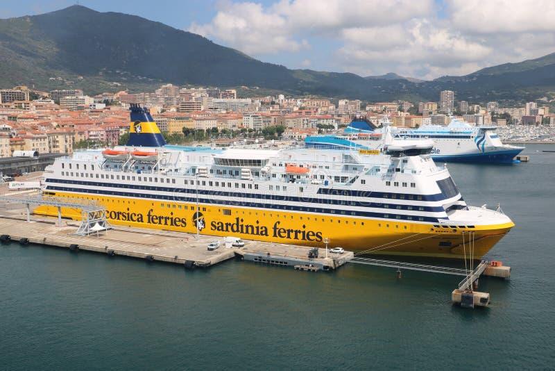 Ferries de Corsica Ferries - de la Sardaigne photo libre de droits