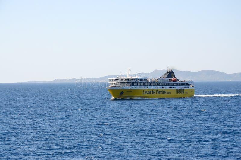 Ferries de Levante images stock