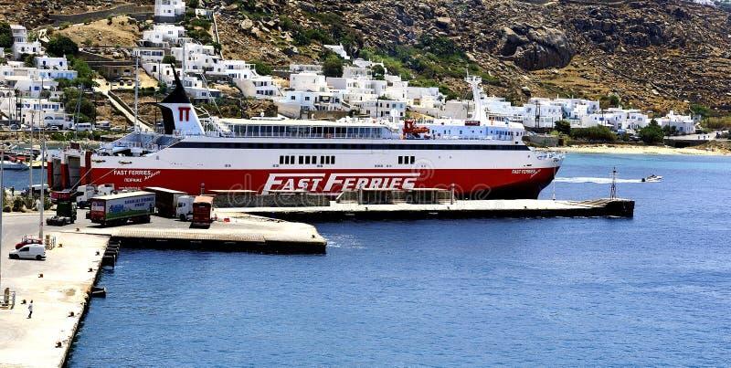 Ferries rapides Andros image libre de droits