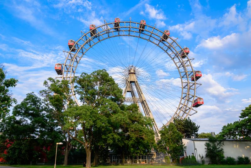Ferris катит внутри prater, Вену стоковые фотографии rf