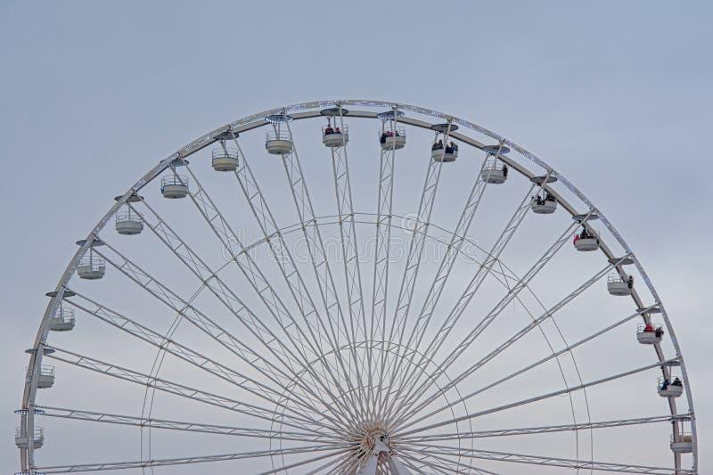Ferris koła szczegół na miękkim niebieskim niebie obraz royalty free
