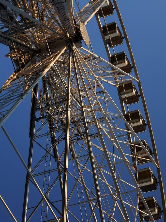 Ferris koła szczegół Z niebieskim niebem fotografia stock