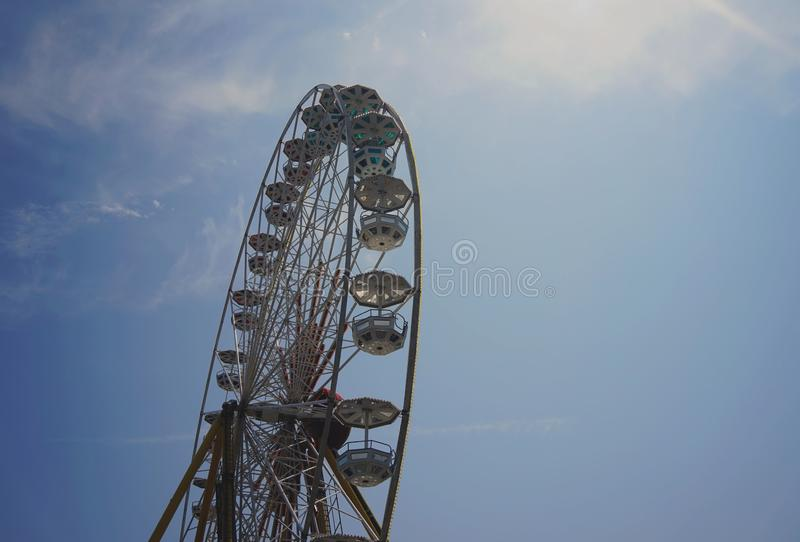 Ferris roda dentro o luminoso imagem de stock royalty free