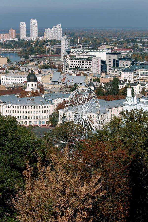 Ferris roda dentro Podol, Kiev ucrânia fotos de stock royalty free