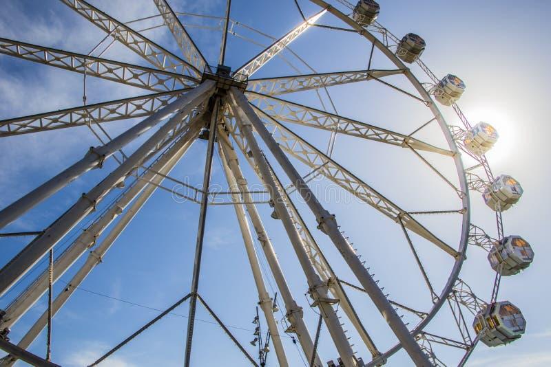 Ferris toczy wewnątrz Luna parka obrazy royalty free