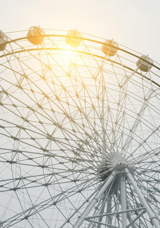 Download Ferris Wheel imagen de archivo. Imagen de placer, paseo - 42440003