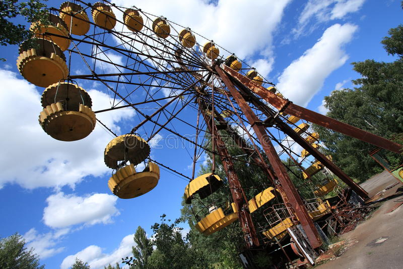 Ferris Wheel abandonado, turismo extremo en Chernóbil imágenes de archivo libres de regalías