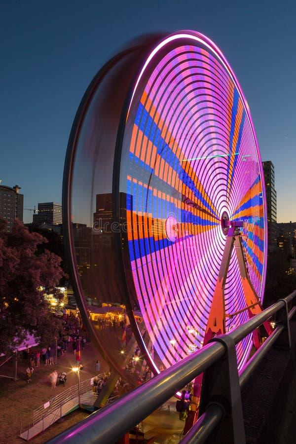 Ferris Wheel bij Pretmarkt in Portland Van de binnenstad Oregon royalty-vrije stock afbeeldingen