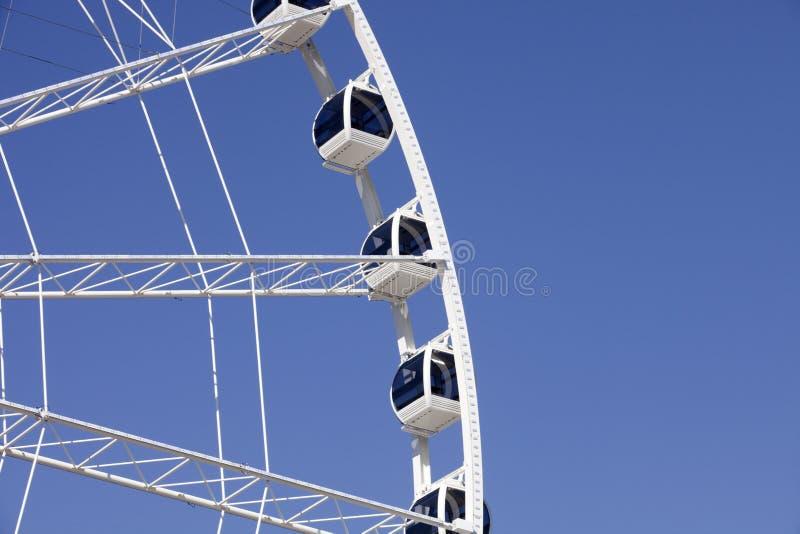 Ferris Wheel con las góndolas incluidas foto de archivo libre de regalías