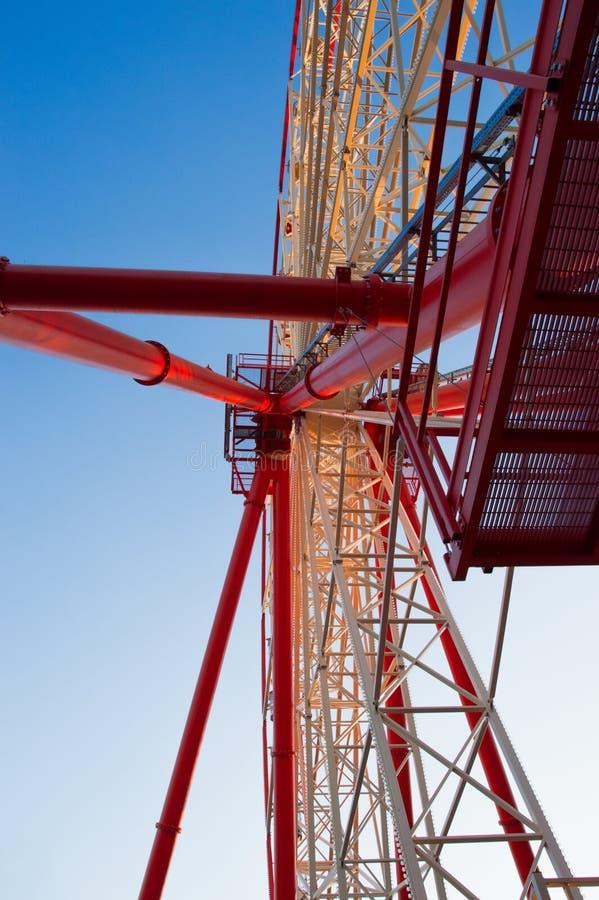 Ferris Wheel Detail -- une structure métallique massive avec l'appui soit images libres de droits