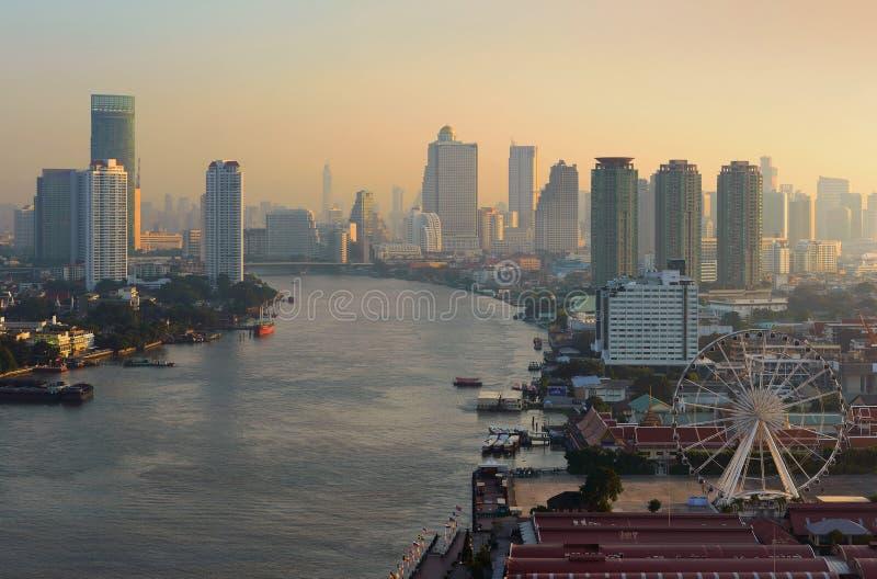 Ferris Wheel em Banguecoque, Asiatique o beira-rio em Banguecoque fotografia de stock