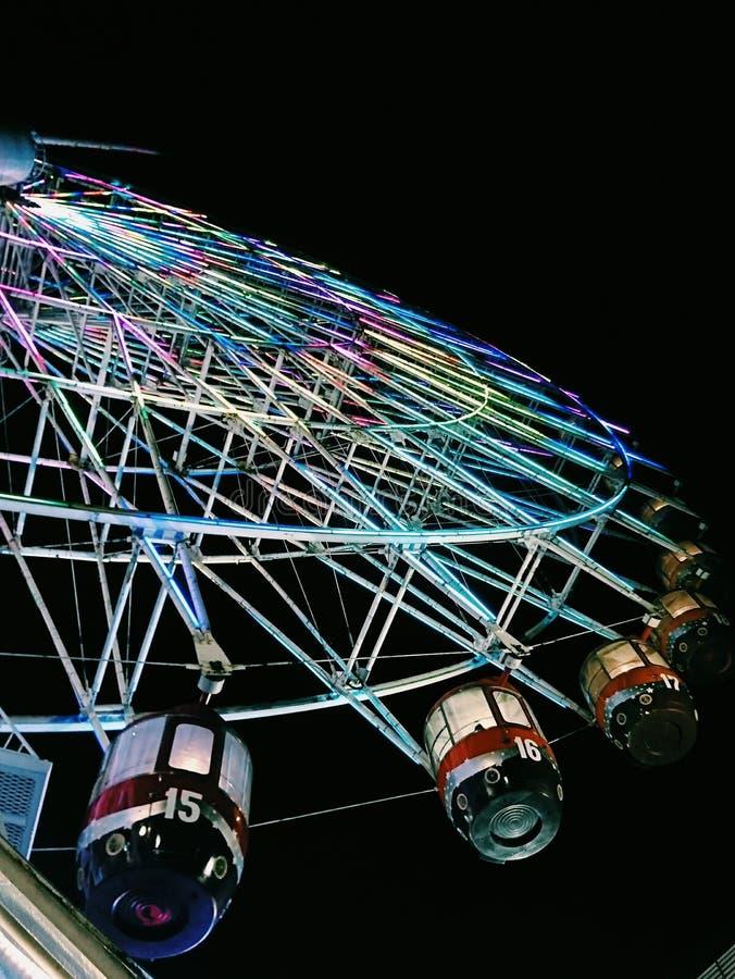 Ferris Wheel At Night lizenzfreie stockbilder