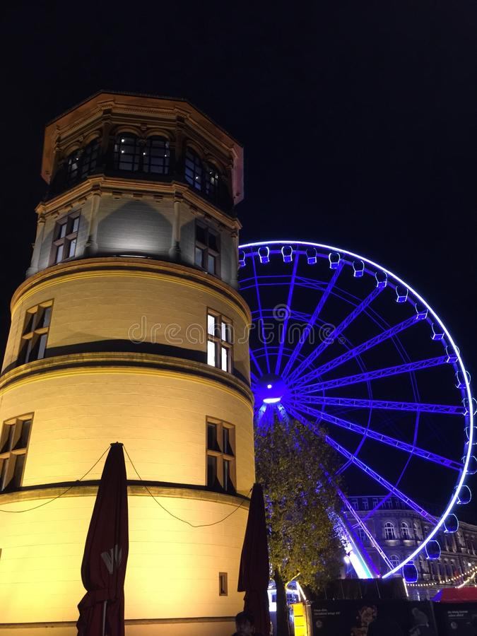 Ferris Wheel no sseldorf do ¼ de DÃ fotografia de stock