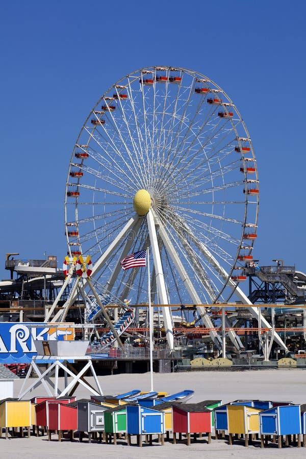 Ferris Wheel sul pilastro fotografie stock libere da diritti