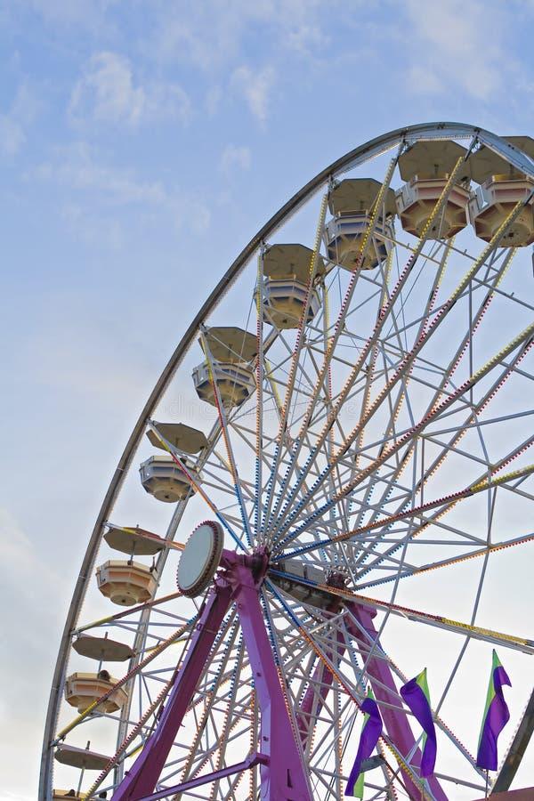 Ferris-wiel bij de markt royalty-vrije stock fotografie