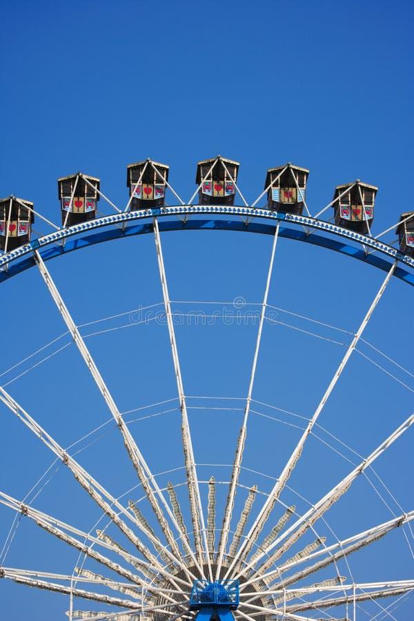 Download Ferrisavsnitthjul redaktionell arkivfoto. Bild av festival - 3526328