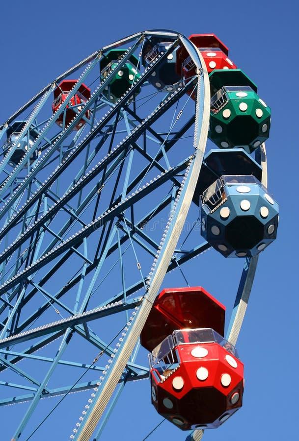 Download Ferrishjul arkivfoto. Bild av ferris, kabiner, ritt, prickar - 976880