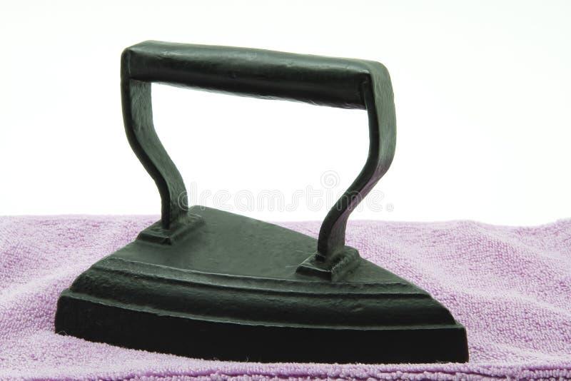 Ferro antigo de carvão foto de stock