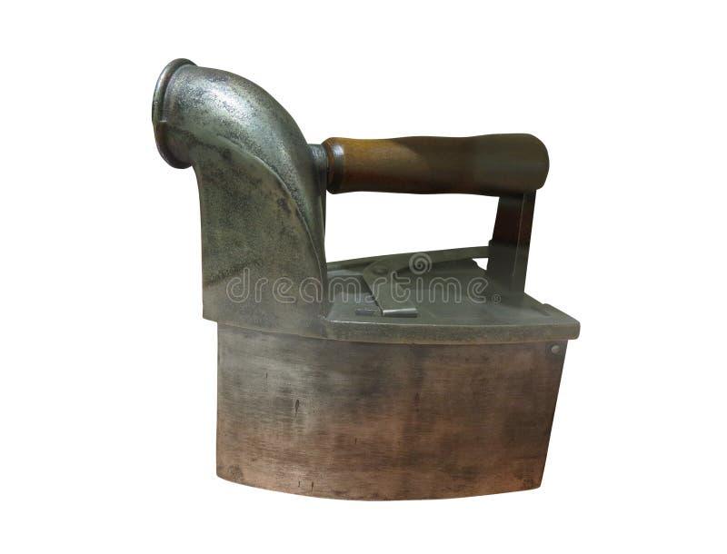 Ferro de alisamento oxidado velho antigo isolado no branco imagens de stock