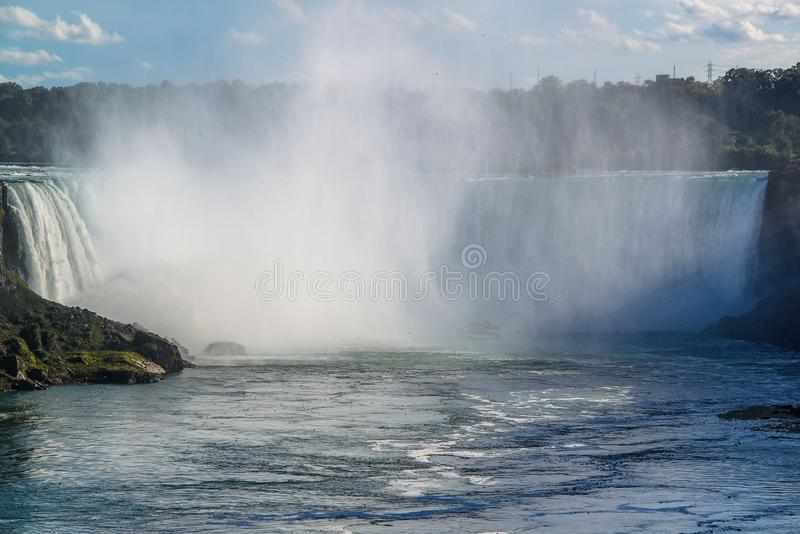Ferro di cavallo di cascate del Niagara ontario canada Bella priorit? bassa della cascata immagini stock libere da diritti