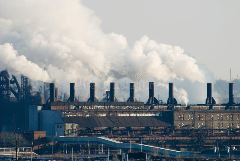 Ferro e planta metalúrgica de aço fotografia de stock royalty free