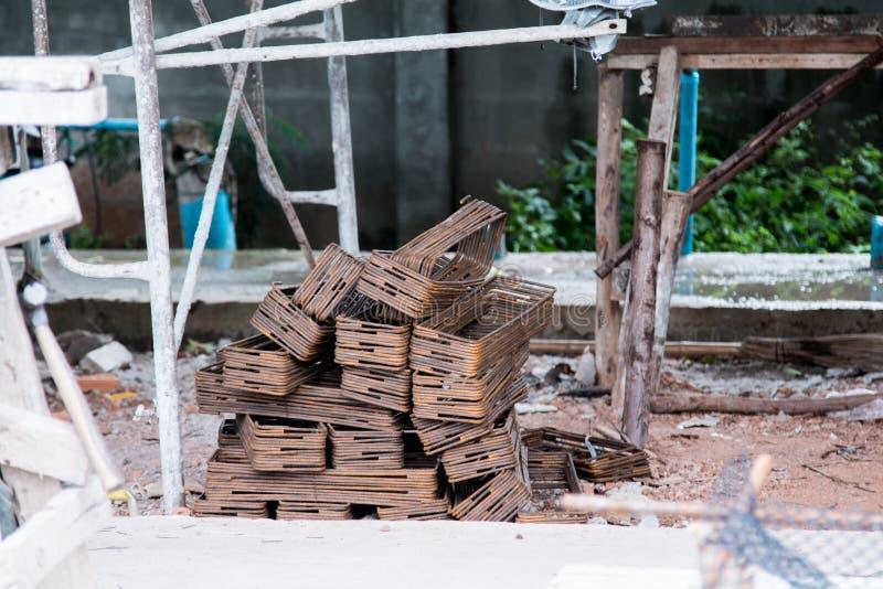 Ferro usado na construção foto de stock