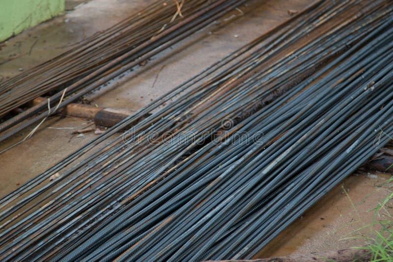 Ferro usado na construção imagem de stock