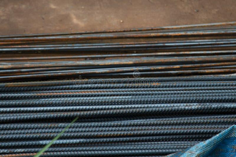 Ferro usado na construção fotos de stock