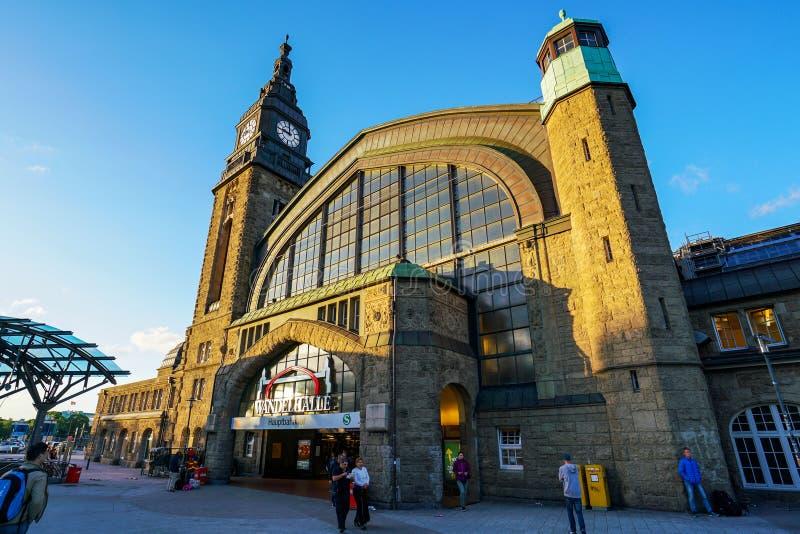 Ferrocarril de Hamburgo Hauptbahnhof fotografía de archivo